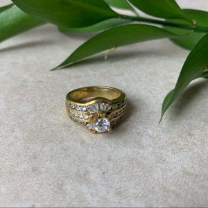 Jewelry - Beautiful Ring with crystal & perfect design